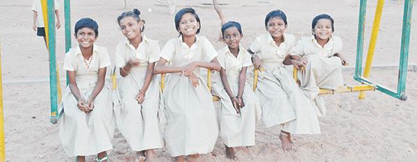 row-of-girls